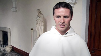 Světový fotbalista knězem