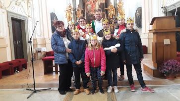 Děti v kostele po skončení hry o sv. Anežce